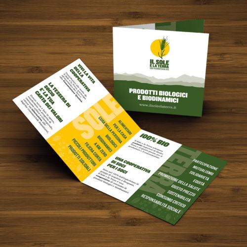 Brochure pubblicitaria per Il sole e la Terra utilizzando la carta riciclata.